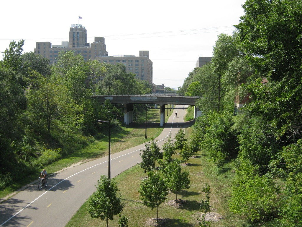 Midtown_Greenway_looking_west
